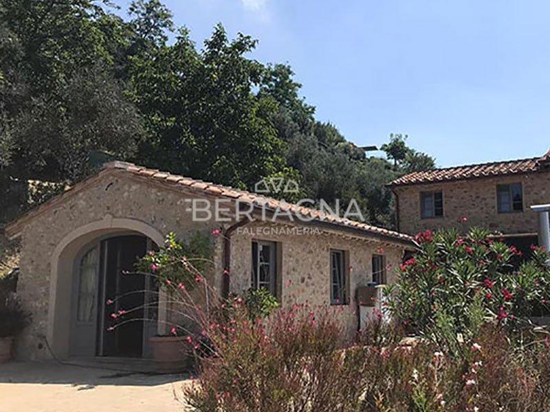 Falegnameria Bertagna infissi tipici toscani